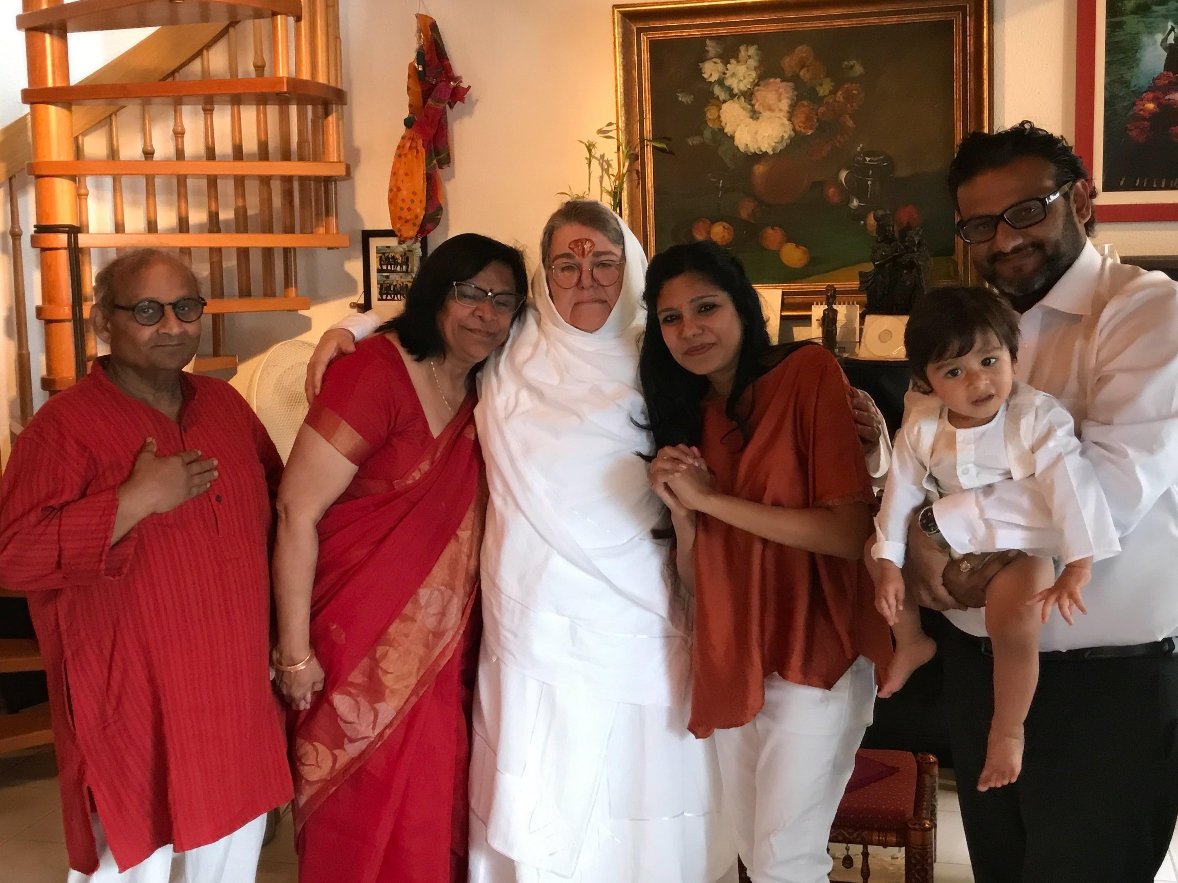 MA mit Familie Oza